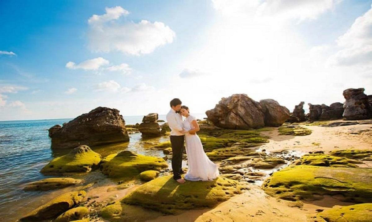 chụp hình cưới ngoại cảnh ở biển