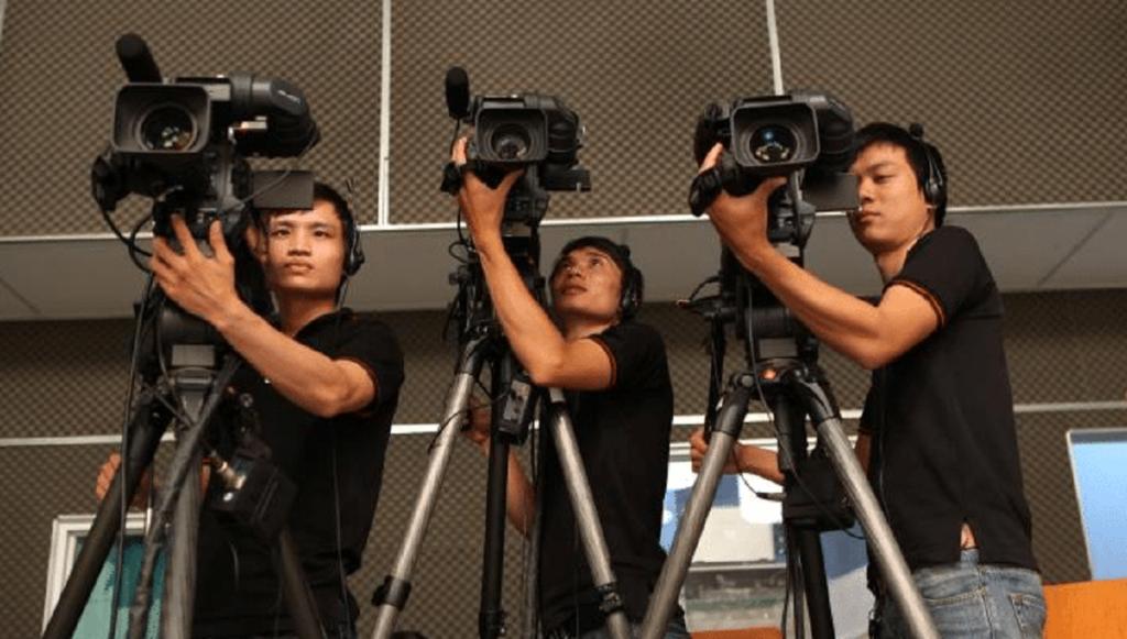 hướng dẫn quay phim phóng sự