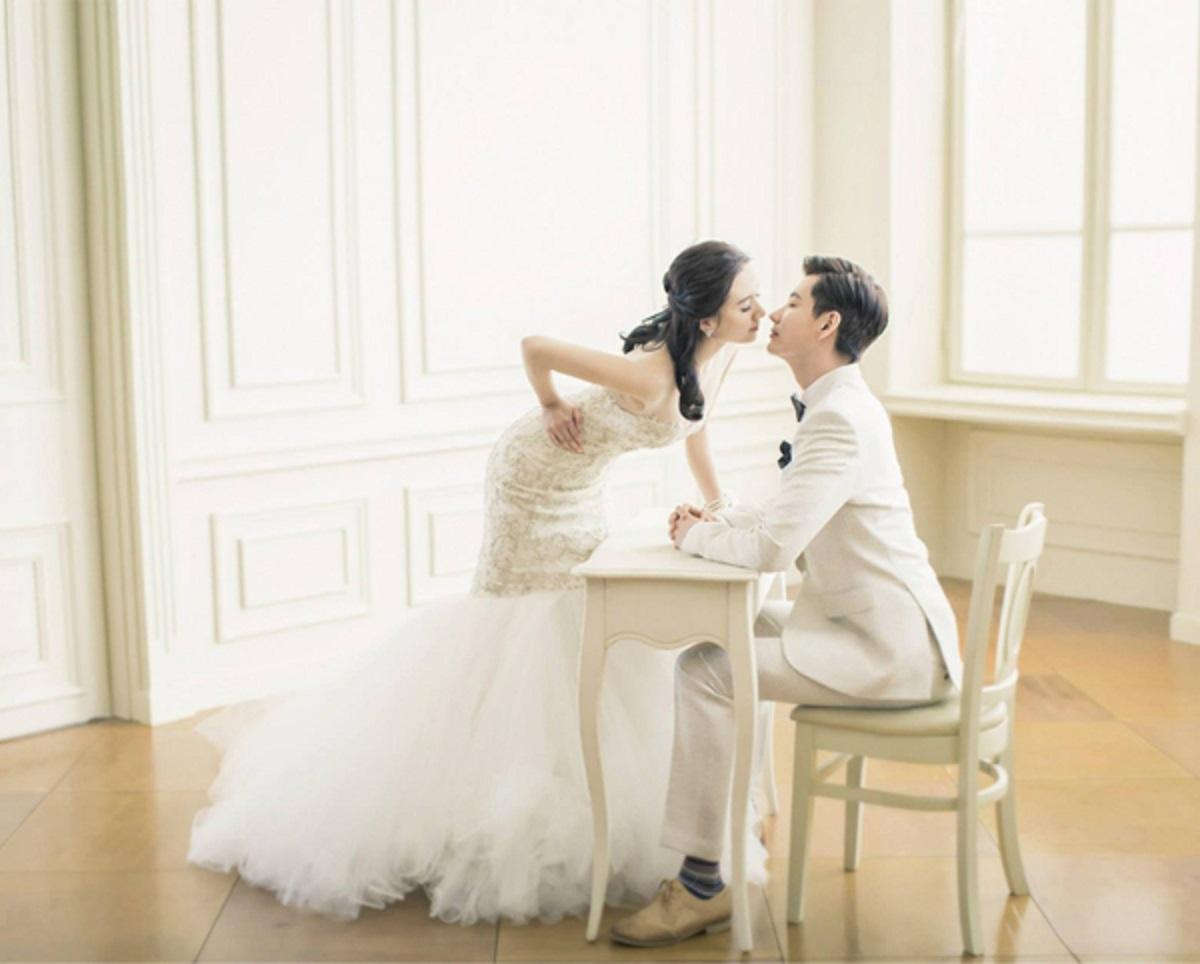 tạo dáng chụp hình cưới đẹp
