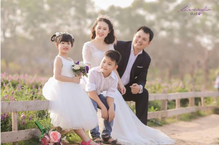 chụp ảnh gia đình 4 người đẹp