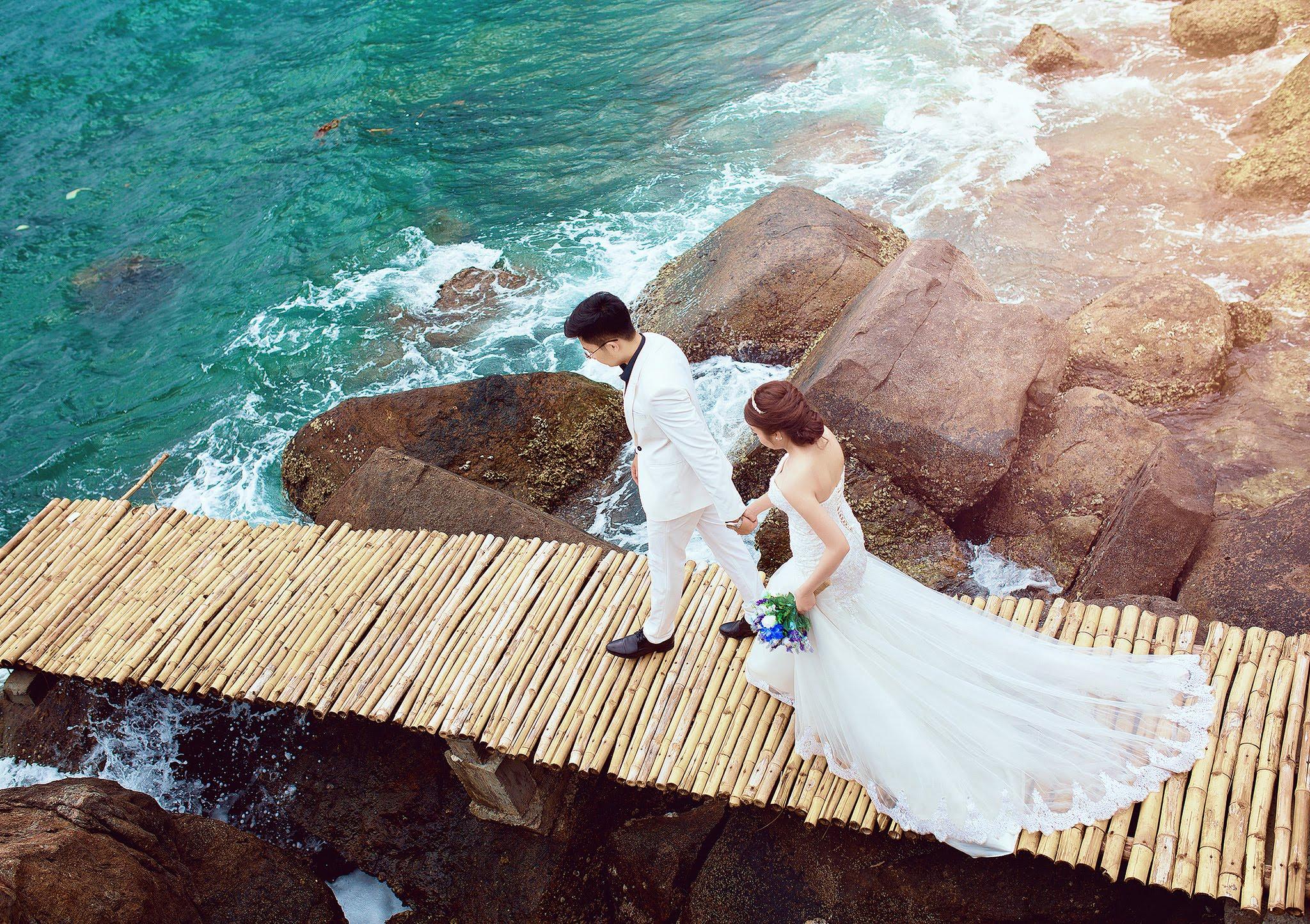 Chụp hình cưới tại biển Phú Quốc