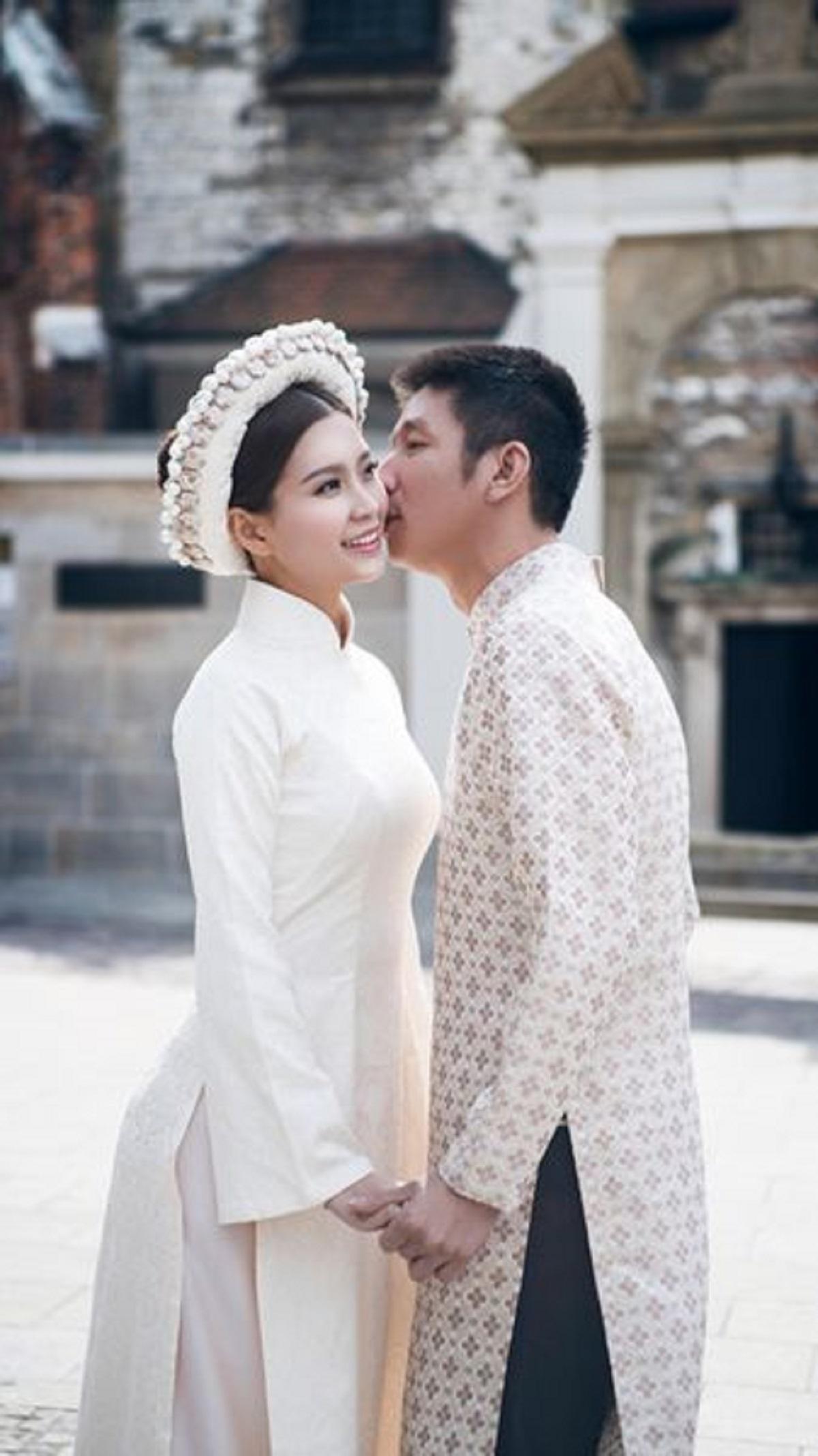 Cách chụp hình cưới với áo dài