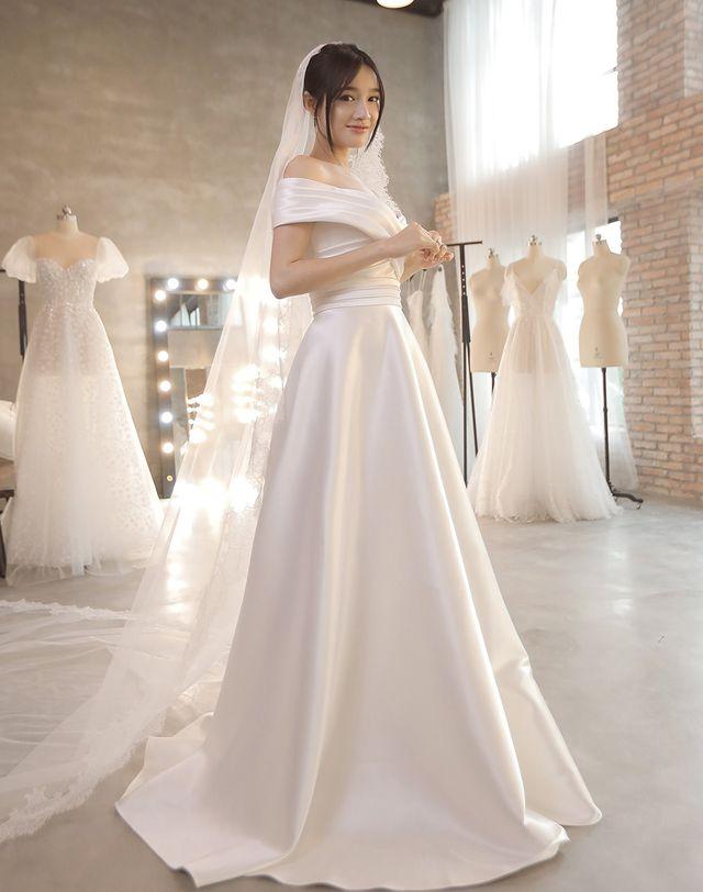 Chọn góc chụp ảnh cưới cho cô dâu trực diện