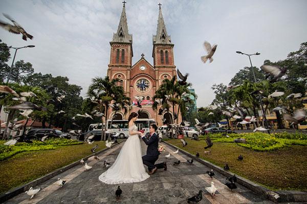 địa chỉ chụp hình cưới giá rẻ TPHCM trọn gói