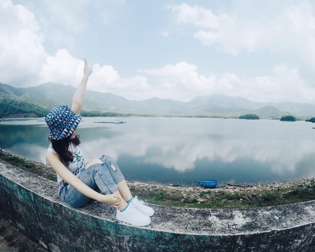 Chụp hình miễn phí tại Hồ Hòa Trung