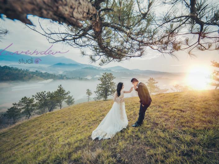 Đồi thông là địa điểm chụp hình cưới đẹp tại Đà Lạt