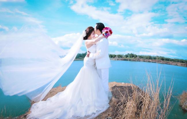 Chụp hình cưới đẹp tại Hồ Đá