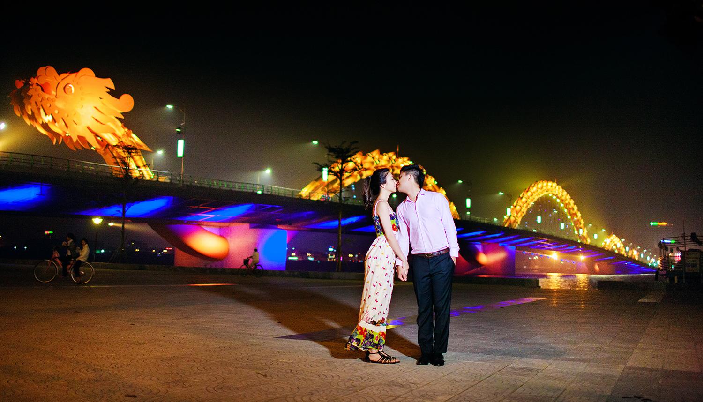 Chụp ảnh cưới tại Cầu Rồng Đà Nẵng