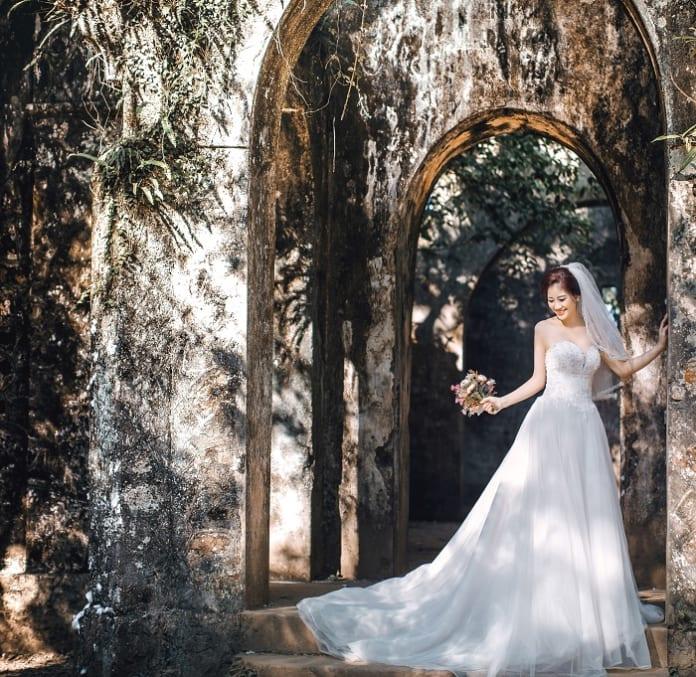 Du lịch kết hợp chụp hình cưới Hà Nội ngoại cảnh