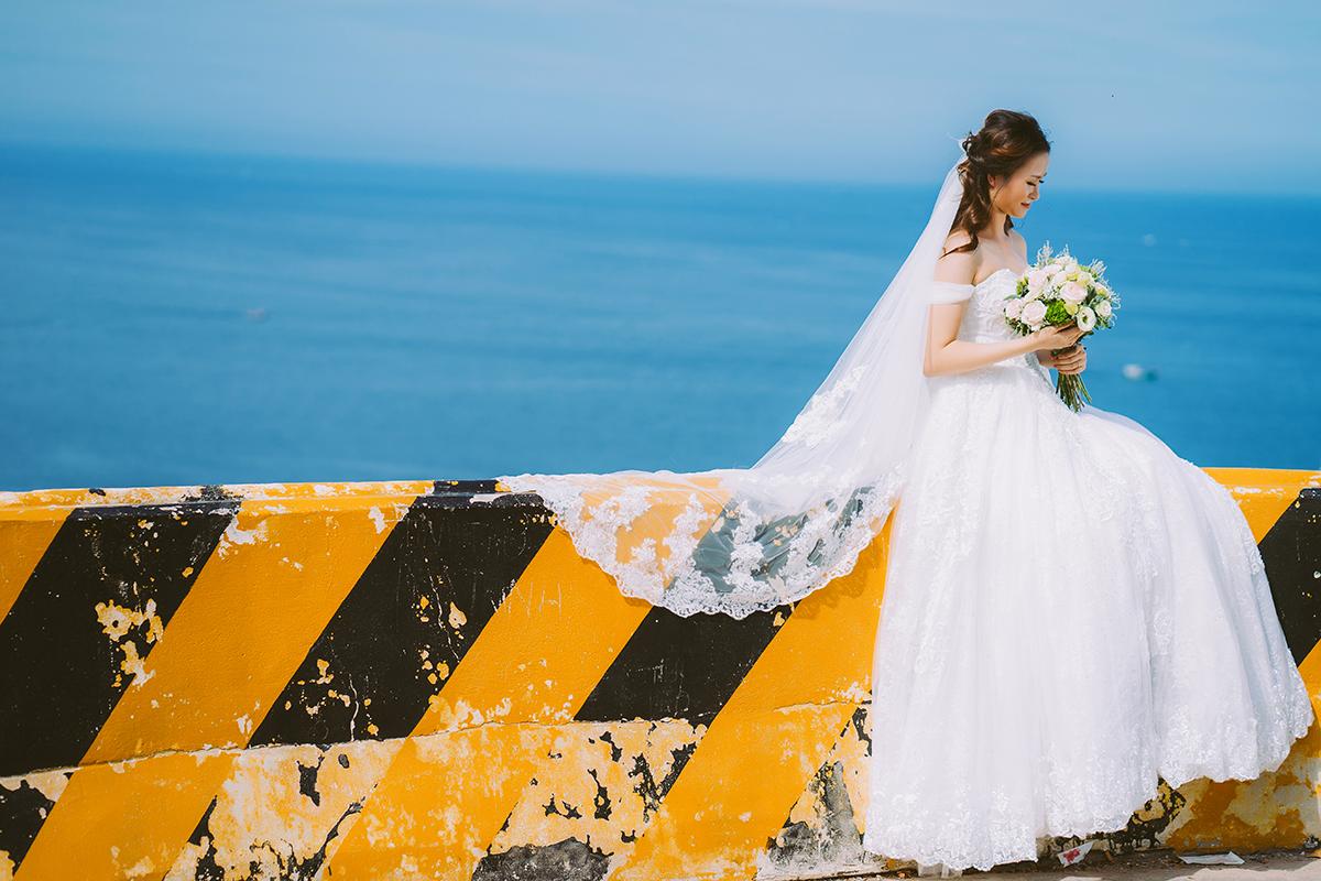 Du lịch kết hợp chụp hình cưới Vĩnh Hy Phú Yên trên con đường ven biển
