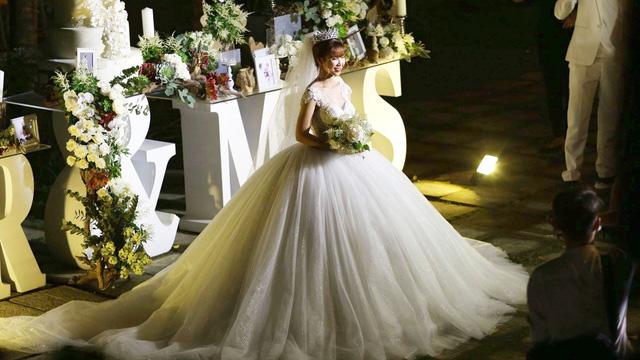 Tiết lộ: Tiền mừng đám cưới của các Sao từ các nghệ sĩ, bạn thân