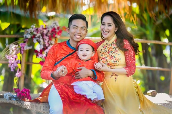 chụp hình tết gia đình