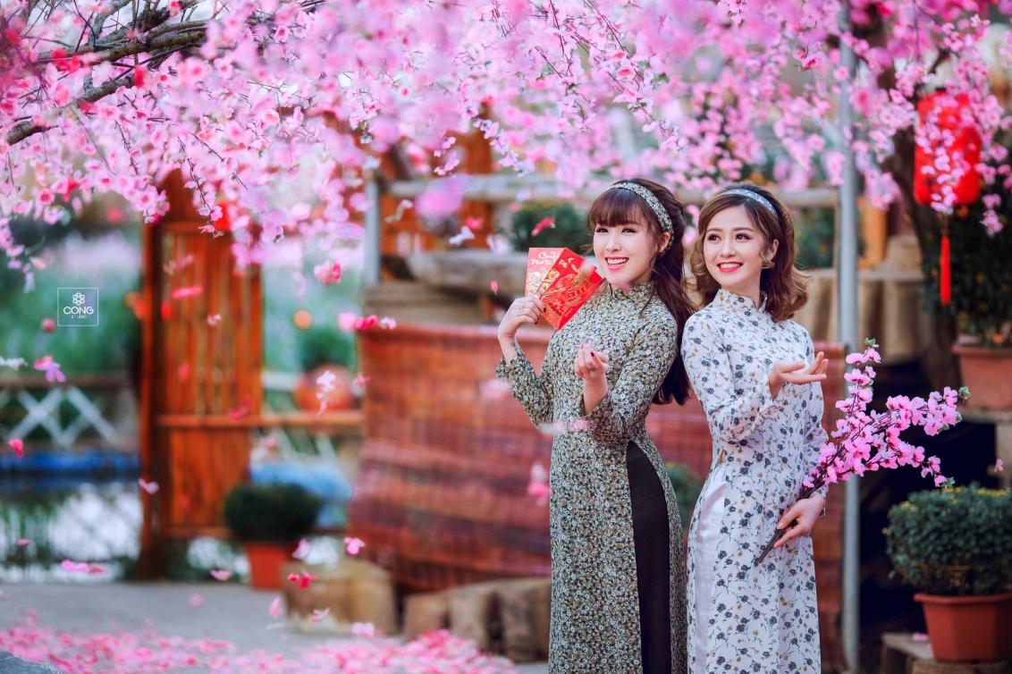 Chụp ảnh tết với áo dài Cô Ba Sài Gòn