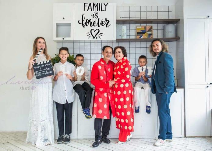 Kinh nghiệm chụp hình gia đình Tết 2021 đẹp